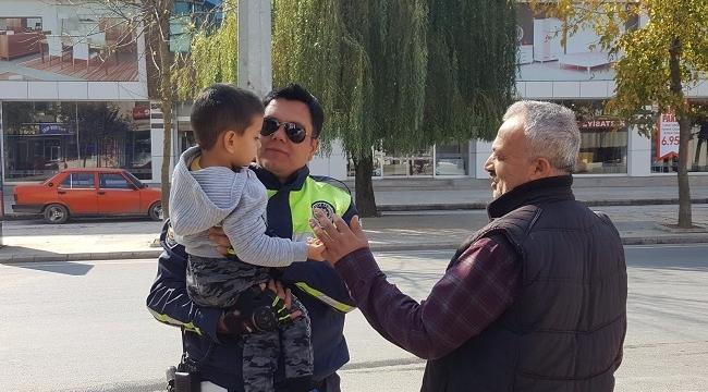 POLİS AMCA SEVGİSİ