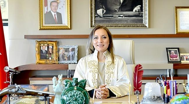 REKTÖRLÜK'TEN PUSULA'YA KUTLAMA