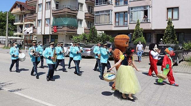 BELEDİYE BANDOSU MAHALLERDE MİNİ KONSER VERDİ